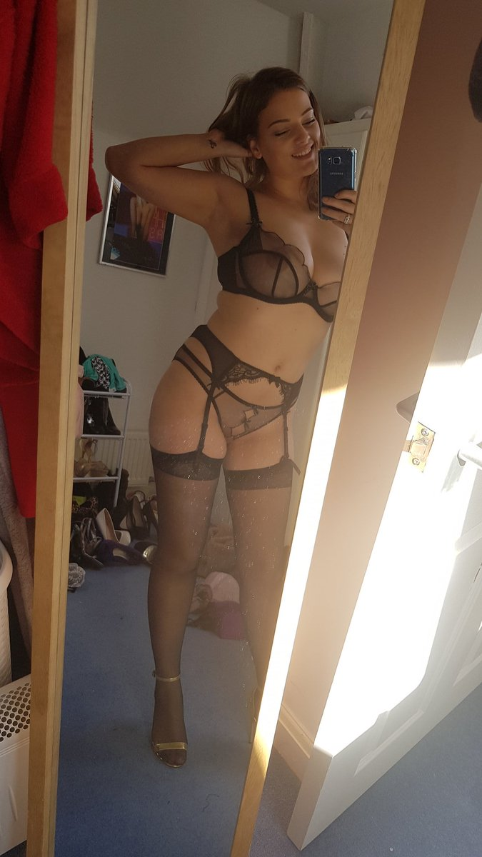 Having an awesome day at today!  #model #selfie #modelselfie #mirrorselfie #mirror #lingerie
