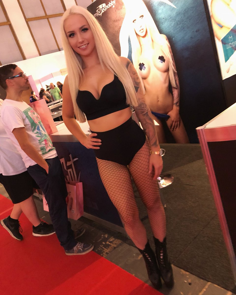 Outfit Tag 1 Venus! ❤️ #lucycat #venusberlin #mydirtyhobby #lucycatofficial h06FWpUxyH