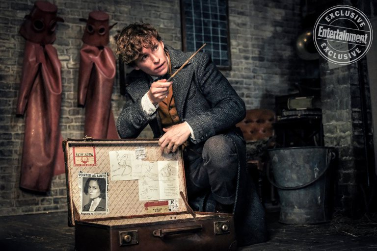 See 10 exclusive new 'FantasticBeasts: The Crimes of Grindelwald' photos: