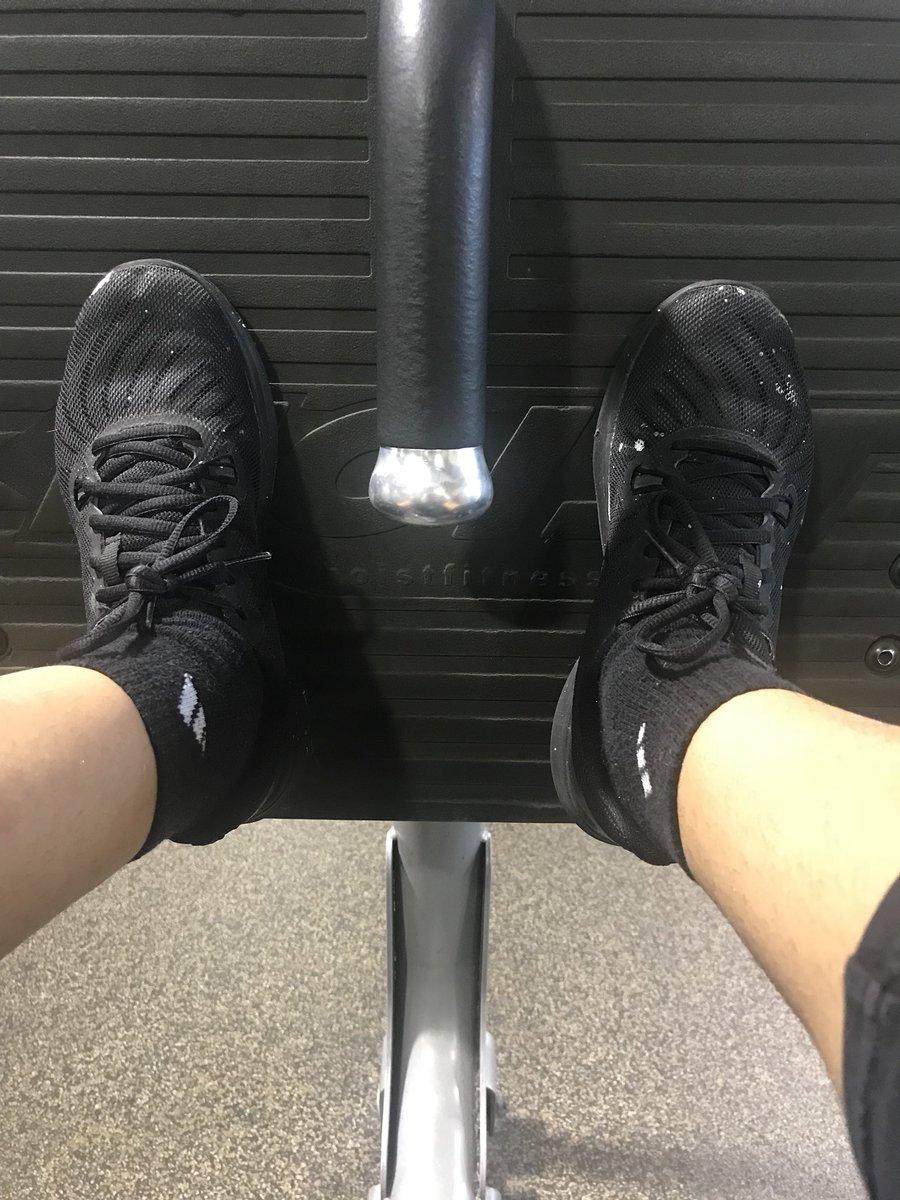 Here's my obligatory gym selfie 😜 txiUqbcVdH