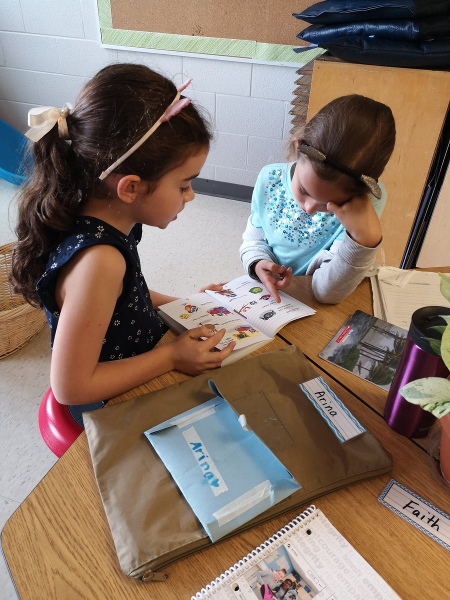 Working on building our reading stamina with a partner #sofocused https://t.co/YuMvHrXrAW