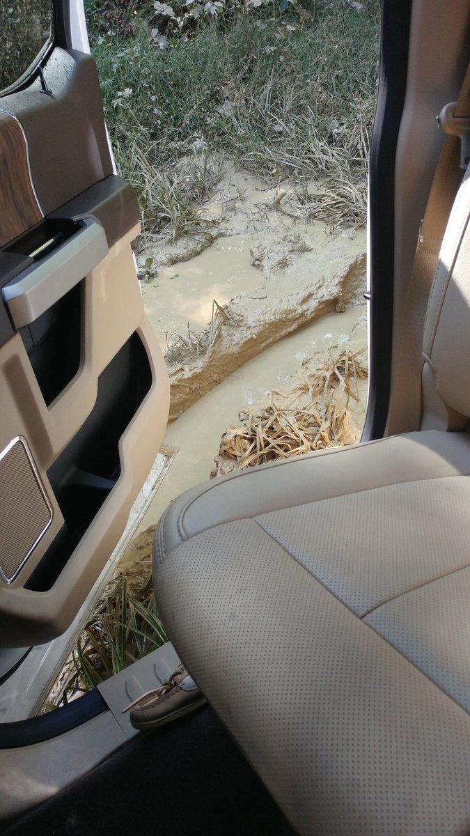 2 pic. Ahhhh! Im stuck in the mud!!! VIFr3cdHaN