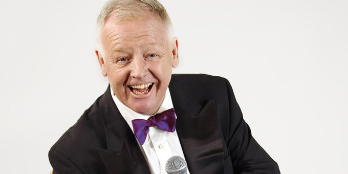 A very happy birthday to Les Dennis, who turns 65 today.