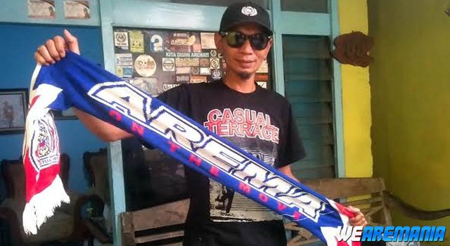 RT @we_aremania: Sanksi Seumur Hidup Tak Bikin Yuli Sumpil Gantung Syal https://t.co/qbo9aGnkcF https://t.co/RdOuli2vTg