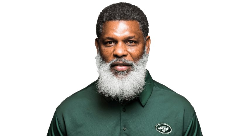 RT @bleedjetsgreen: @frazzledrn @antwanstaley Lovie trying to compete with Jets RB coach Stump Mitchell https://t.co/RJOMEbSGS6