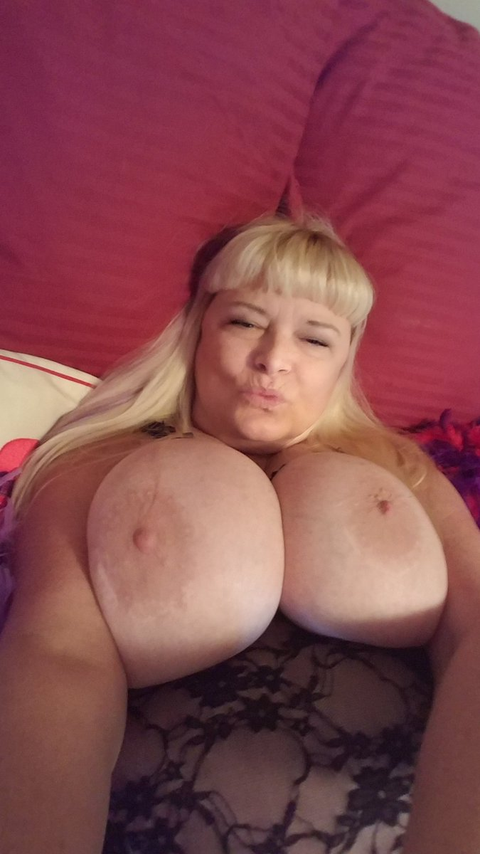 Is today the day we get to know each other? Come #skype with me. I'll be waiting for you! Let's get nasty