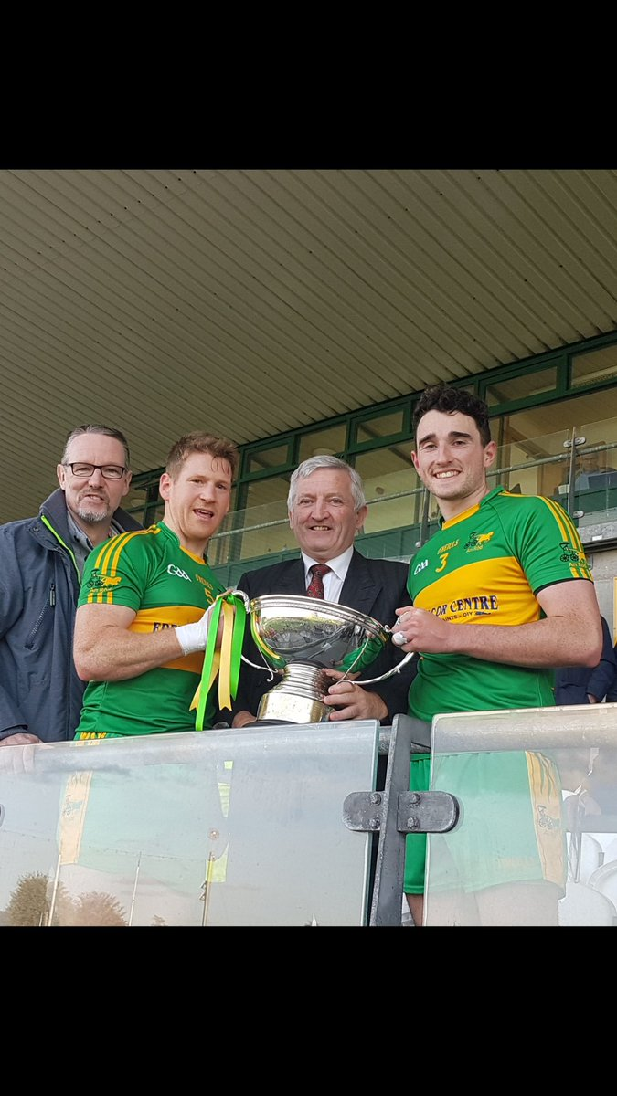 test Twitter Media - Massive congratulations to @RhodeGAA County Champions for the 29th time https://t.co/6vOLQn609b