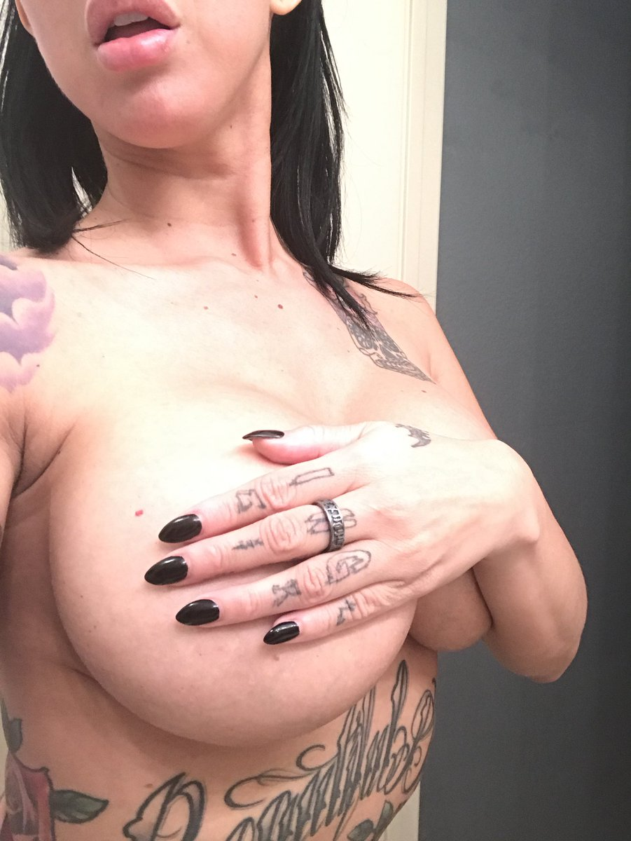 Been having soooo much fun sexting on ! Come have filthy fun with me! vN6hkPAyEj
