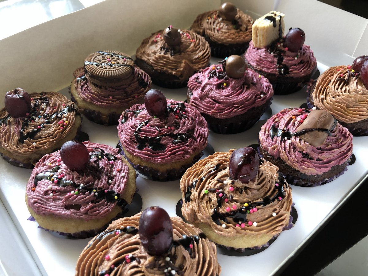 RT @annyx_nixil: Don't sleep on this deal Order yours now 😃😃😃 🤤🤤 #cakes #cakeboss #Cupcake https://t.co/OTsQdLqpgt