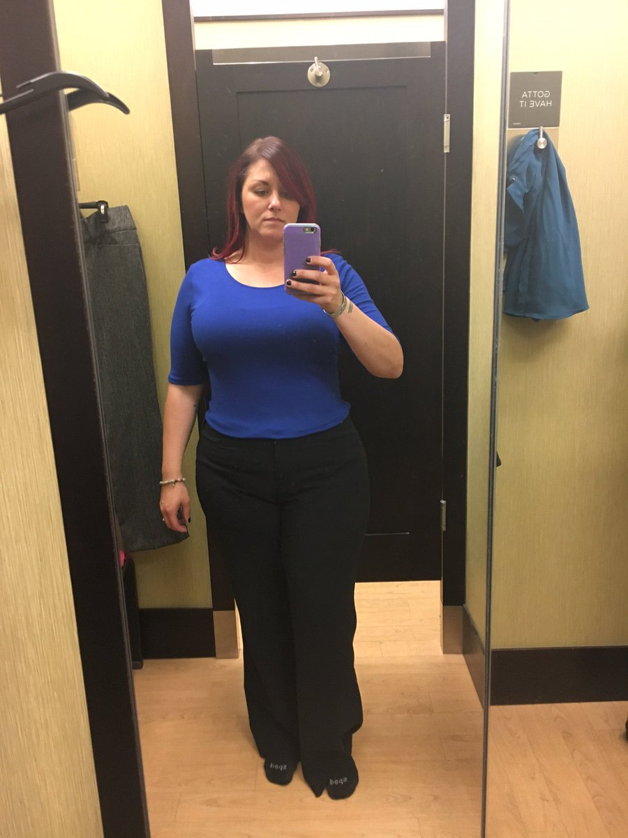 10/16/17. Was trying on clothes for a new job. Glad I don't work there anymore. wg5AA6T