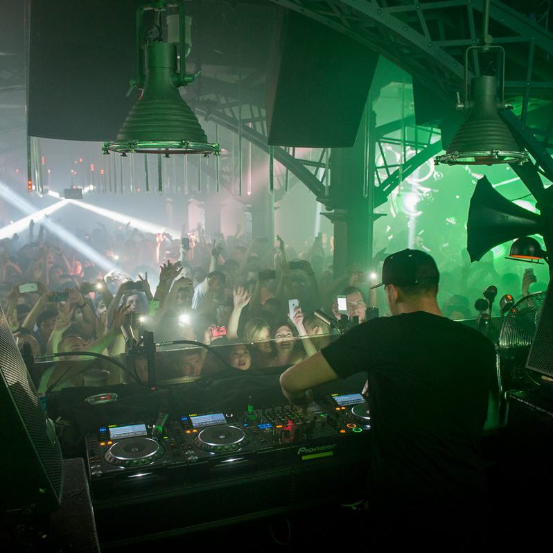 test Twitter Media - This week's #FactoryFridays is going to be HUGE with @afrojack in the building! 🙌🏻  Limited tickets left - Get them before it's too late: https://t.co/UChK6LyPGI https://t.co/VoxcxitoBI