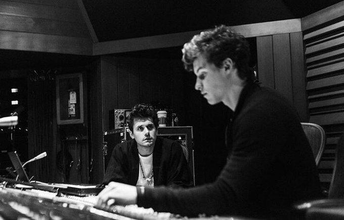 Hoje é aniversário do segundo pai do Shawn, nosso querido John Mayer  Happy Birthday