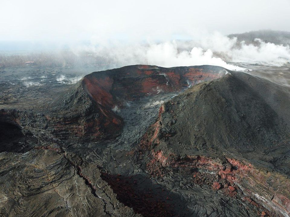 test Twitter Media - Here's why earthquakes are taking place on Hawaii's Kilauea volcano: https://t.co/tWujyLw4XM https://t.co/RpF19n79Dy