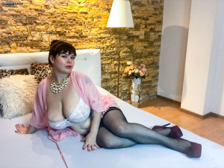Fancy a virtual quickie? I'm on cam and ready for you now at #AdultWork.com! f4zS7KS7MT