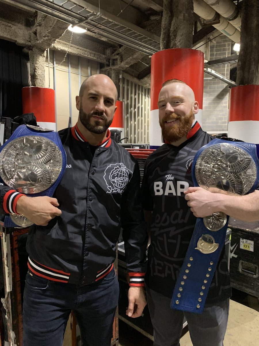RT @WWECesaro: 5 x 🏆 #SD1000 #TheBar https://t.co/vRwcT5Cqnf