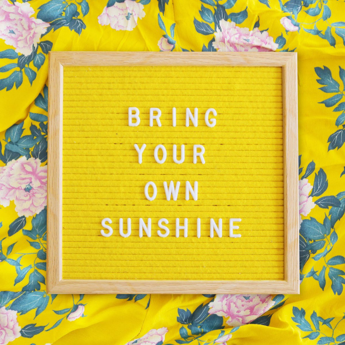 If you don't, who will!? ☀️ Love this, @hellosunshine! https://t.co/p5gqb0CfS6
