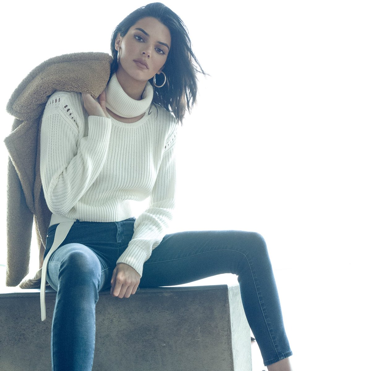 Shop our #KKFALL18 collection on @amazon @amazonlifestyle @kendallandkylie https://t.co/sNfIMs6ZUj https://t.co/dVsHrqsZgZ
