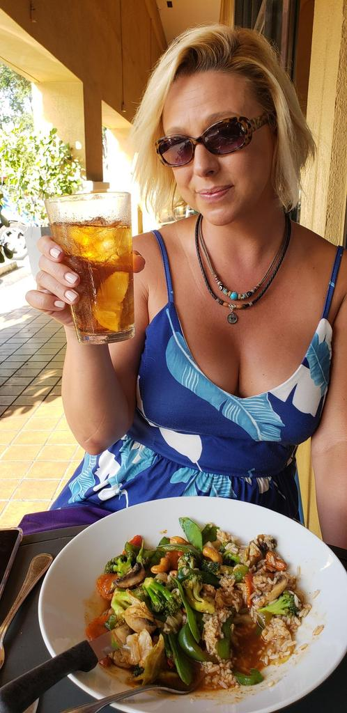 Fresh veggie thai basil. Cheers! MR5pegBqxb