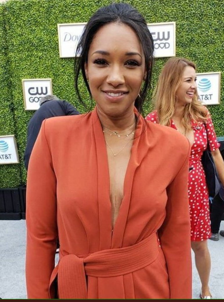 RT @MeganMae012: The Ultimate Queen of all our hearts and mine Candice Patton. #CandicePatton https://t.co/mVZhu8tDU5