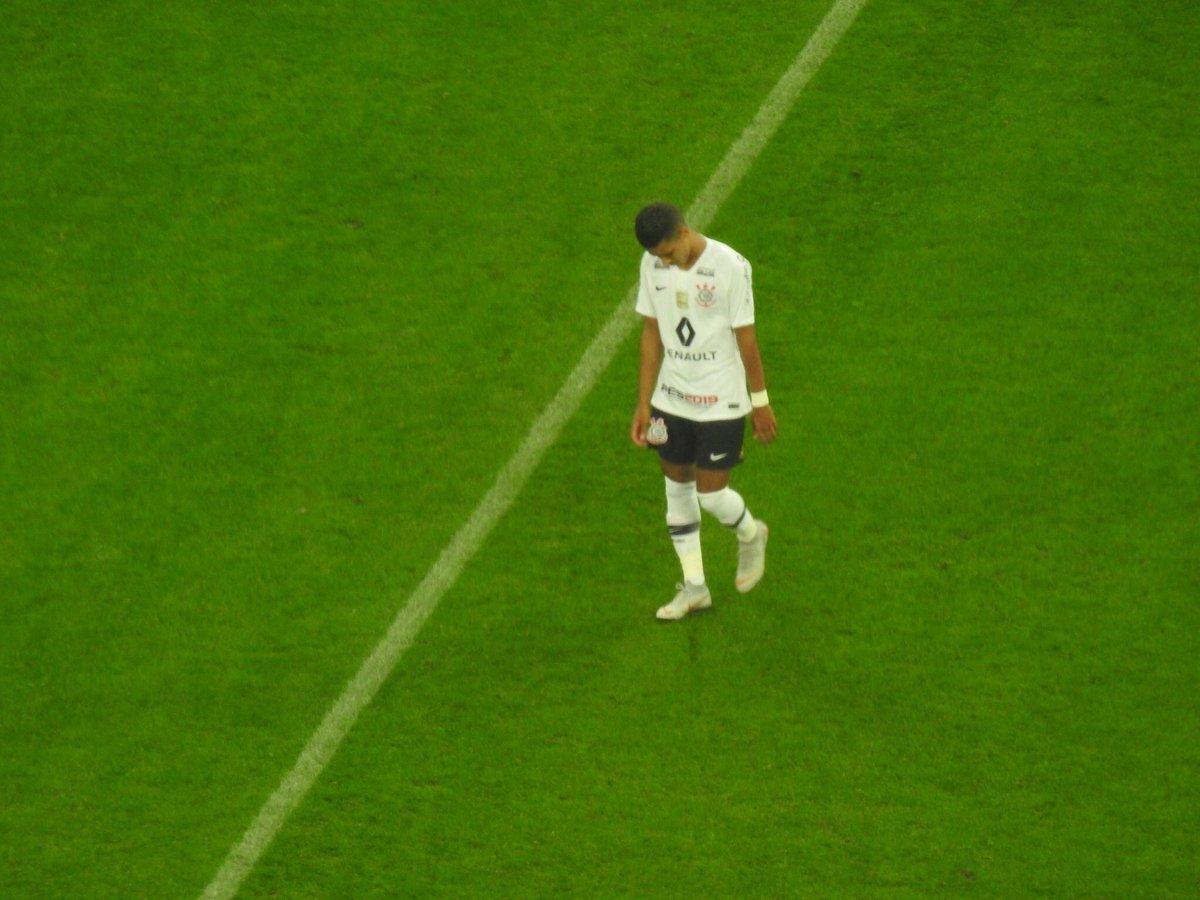 RT @larissaperes96: Que pecado anular um gol do Pedrinho, isso não se faz... https://t.co/lqpMUZdu6l