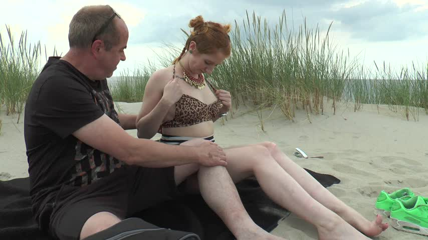 Fucked on the beach by Linda_Lush d10HpG6RRQ Find it on #ManyVids! HH5w4Rw