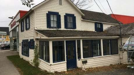 RT @CBCNB: Concern grows for historic home of Fredericton author and broadcaster: https://t.co/XYpiIwPcEJ https://t.co/j1DBNs9XUR
