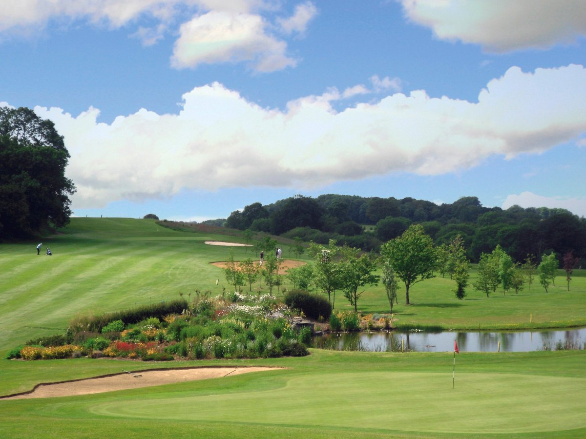 test Twitter Media - Make the most of the sunshine while it lasts ☀️🏌️♀️  Book your Weekend tee time on 01446 781781 Option 1   Book in a Fourball for just £17.50 Per Person   (T's & C's Apply- Deposit required before Midday) https://t.co/Nrf2iHyiLX