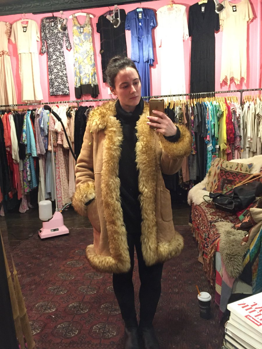 Cosy vintage shearling coat. Yea or nay? DTLr3PkfvB