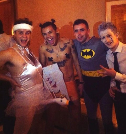 This outfit 😂🤦🏻♂️ The @onedirection end of tour Halloween party 2013 https://t.co/SJvUrV4ocY