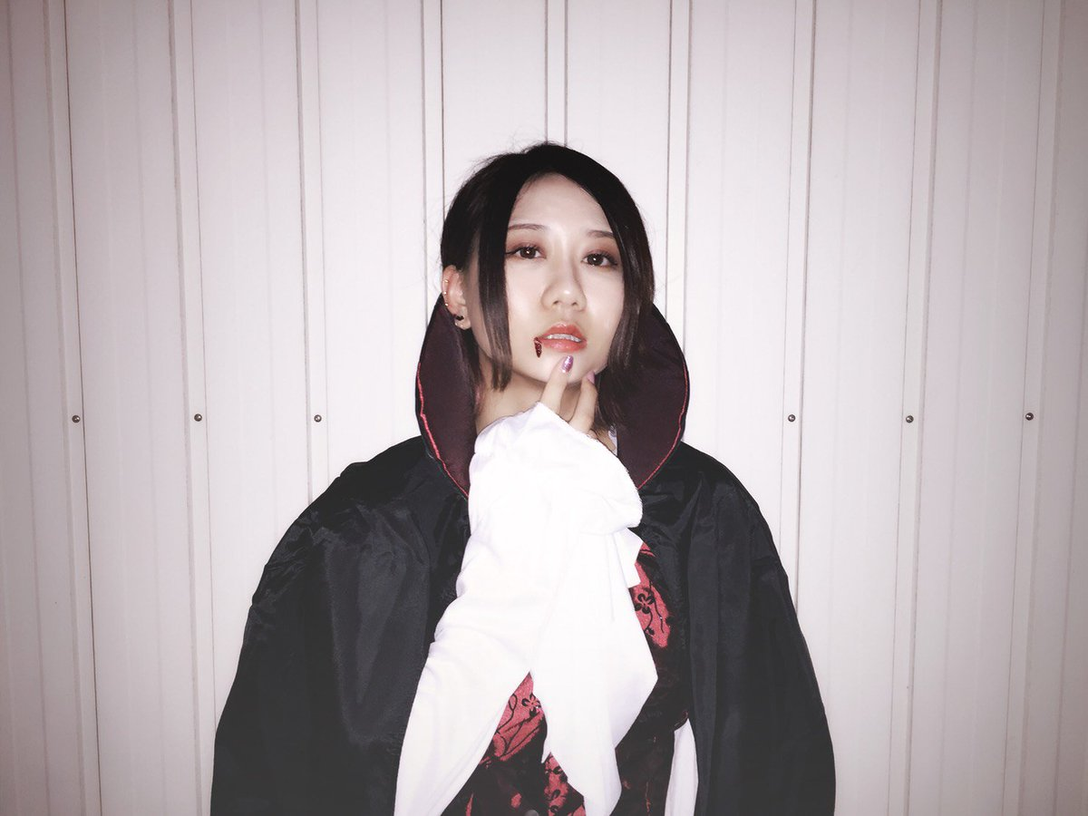 古畑奈和「好きって言わないと血、吸うよ」