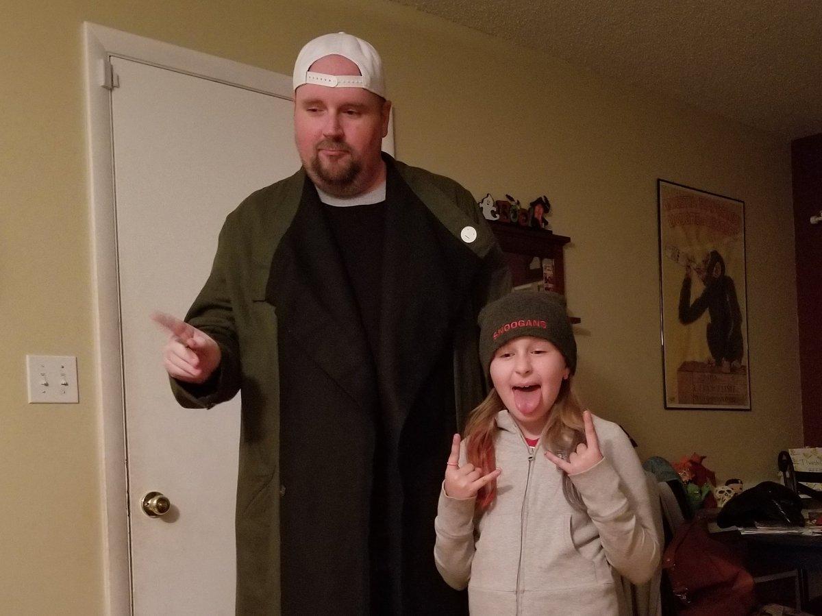 RT @Jayhawk2k: @ThatKevinSmith Small Jay and Silent Bob! Happy Halloween! https://t.co/huDepLWia0