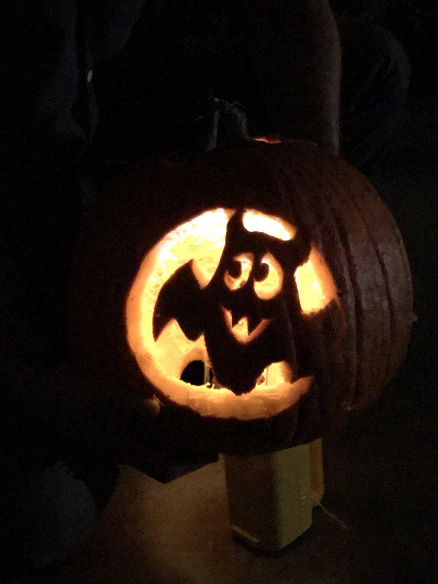 Nailed it! Pumpkin 🎃 carved! C67KK4OkHL