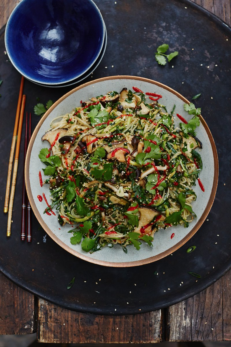 You don't have to be vegan to appreciate these simple, quick and super-moreish noodles! ???? https://t.co/yLQWOJR2mo https://t.co/ZOQGspSh0Y