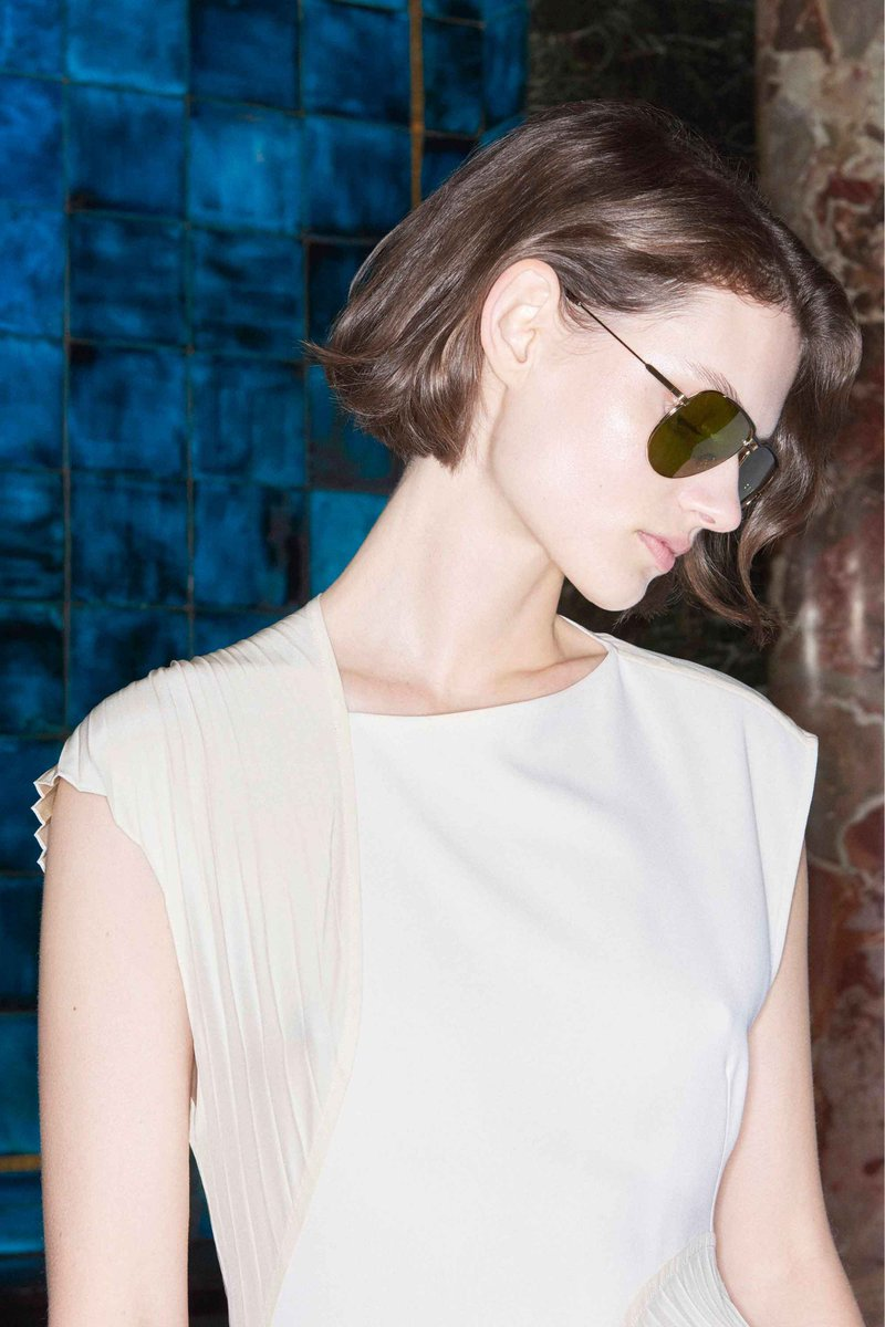 Autumn shades! Shop #VBEyewear at https://t.co/9qLdnkqcnG or 36 Dover Street. X VB https://t.co/Nz1xu6qLK0