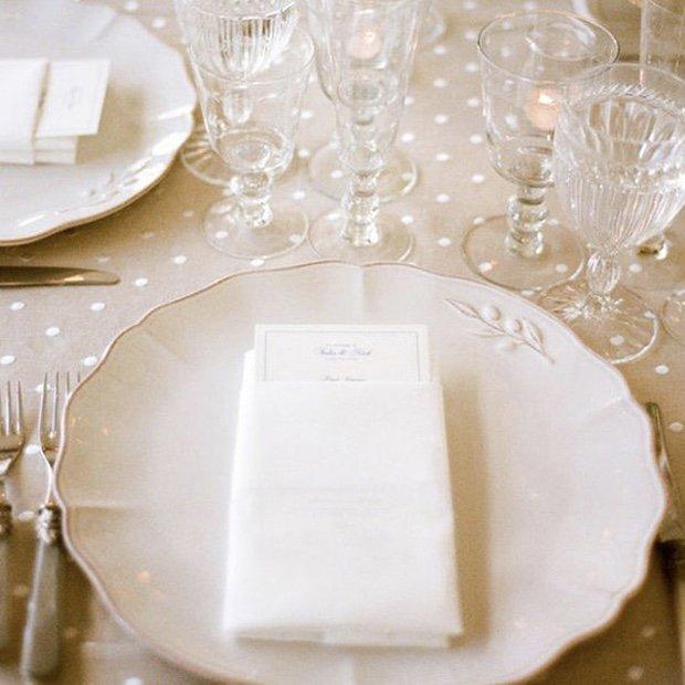 Polka Dot Pretty. #polkadots #weddinginspiration #weddingplanning https://t.co/yvNTtKrvAo