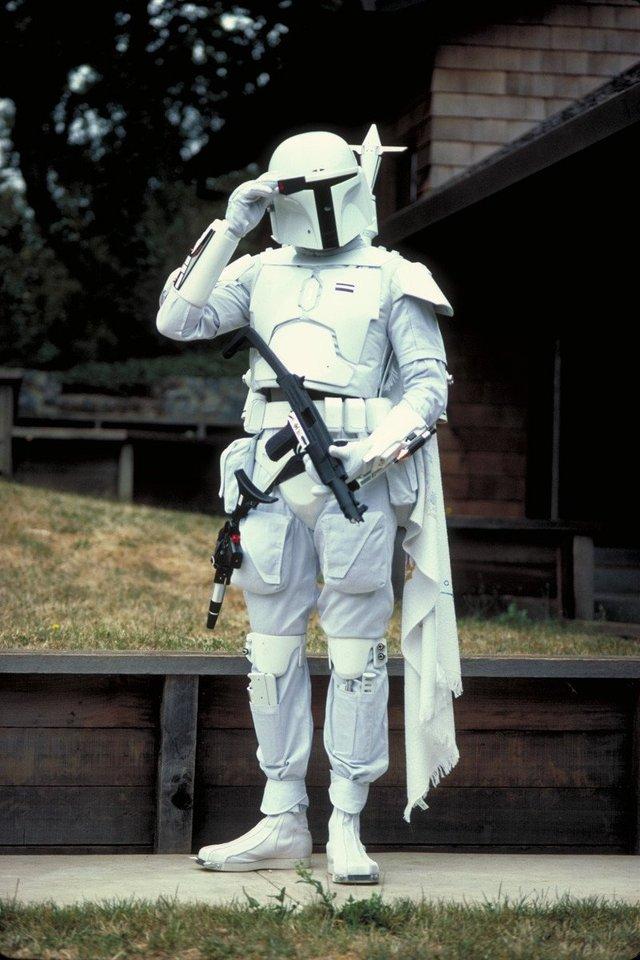 The original 'Boba Fett' costume was white in the screen test. (1978) https://t.co/PZBPAJc7Bz