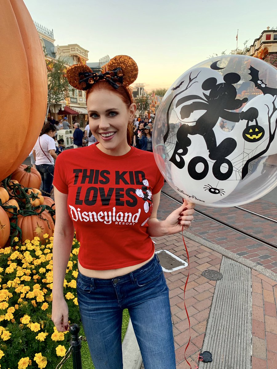 Hard Partying with The Mouse ???????? #boo @Disneyland https://t.co/DRwzuSZ6FJ