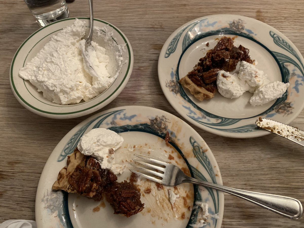 Peter Luger - Round 3: Pecan Pie 🥧 with Schlag (Whipped cream) #SDCCFat #AlwaysRoomForDessert https://t.co/3TGQNDgpmA