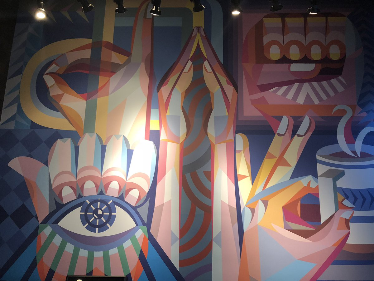 Can you find the letters of the ASL manual alphabet in this mural celebrating Deaf culture? #StarbucksSigns https://t.co/anQIbj5Lm8