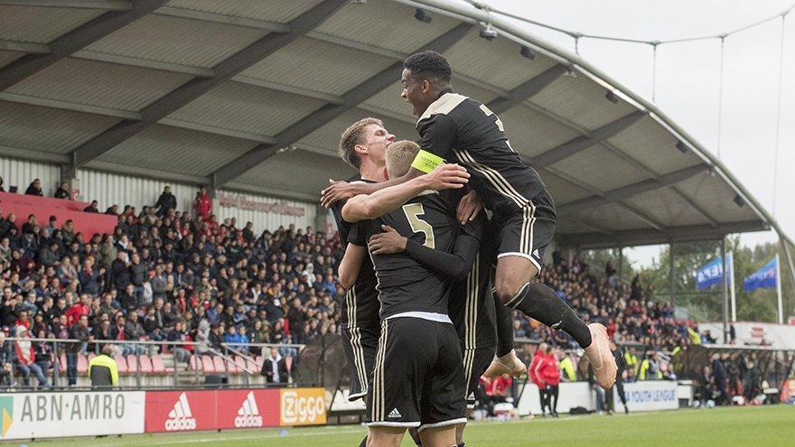test Twitter Media - 60. GOAL #AjaxO19! Victor Jensen verdubbelt de score ⏩ 2-0!   #UYL #ajaben https://t.co/73L3Mw2Shy