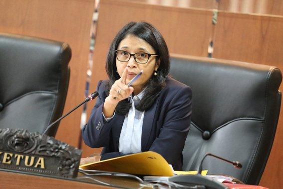 RT @DKPP_RI: DKPP Kembali Periksa Anggota KPU Kota Tangerang Selatan https://t.co/HqCuAq5oze https://t.co/m80lMwlalc
