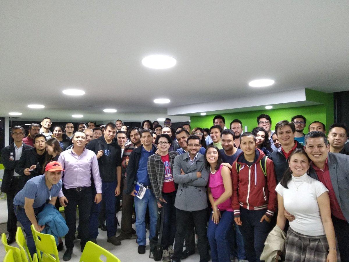 Gran #meetup @ColombiaAI #MachineLearning & #DataScience Gracias @platzi https://t.co/xRLcHrPjdY