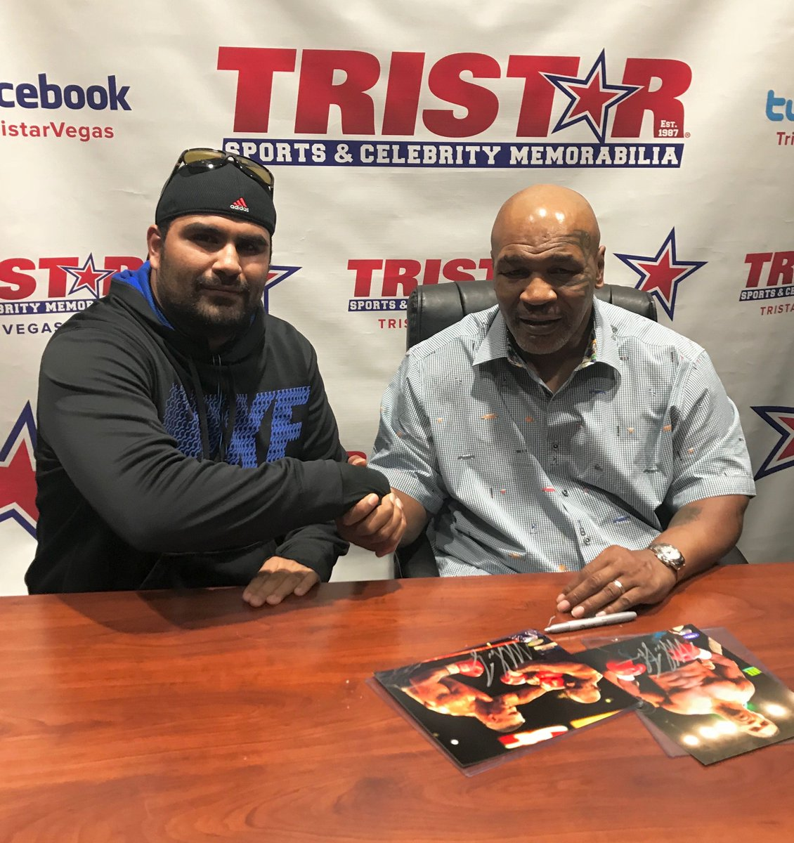 Meet me TODAY and get my autograph in #LasVegas @TristarVegas & @FODCaesars! Info: https://t.co/LCaAn0oifd https://t.co/4HuGOFzpN4