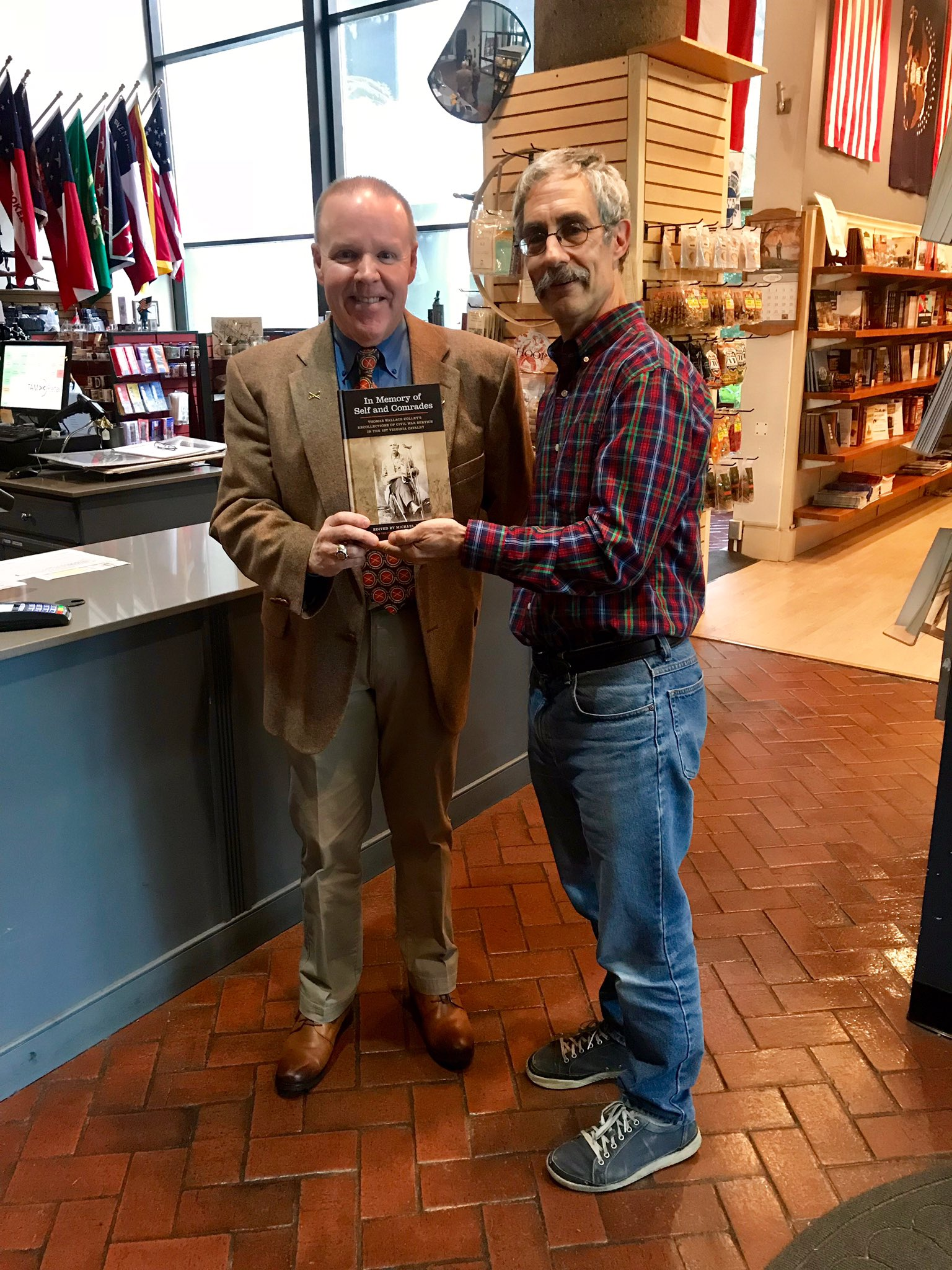 I had an enjoyable day in Richmond! After speaking at the American Civil WarMuseum, I visited battlefields of Haw's Shop (photos), Cold Harbor, Gaines' Mill, and Seven Pines/Fair Oaks. Thanks to John Coski for his help with the book! @utennpress @RichmondNPS @ACWMuseum #CivilWar https://t.co/njm8iPKFEF