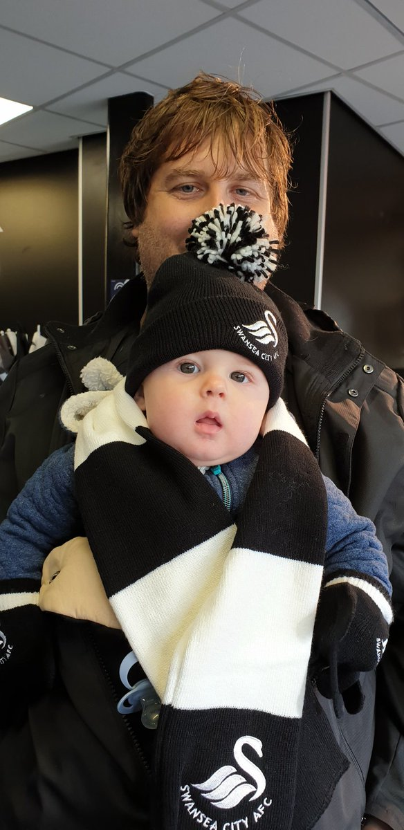 RT @mr_mg: First football match for @JamJarGriffin. Off to cheer @SwansOfficial! #jackarmy https://t.co/VUUSXWYWrL