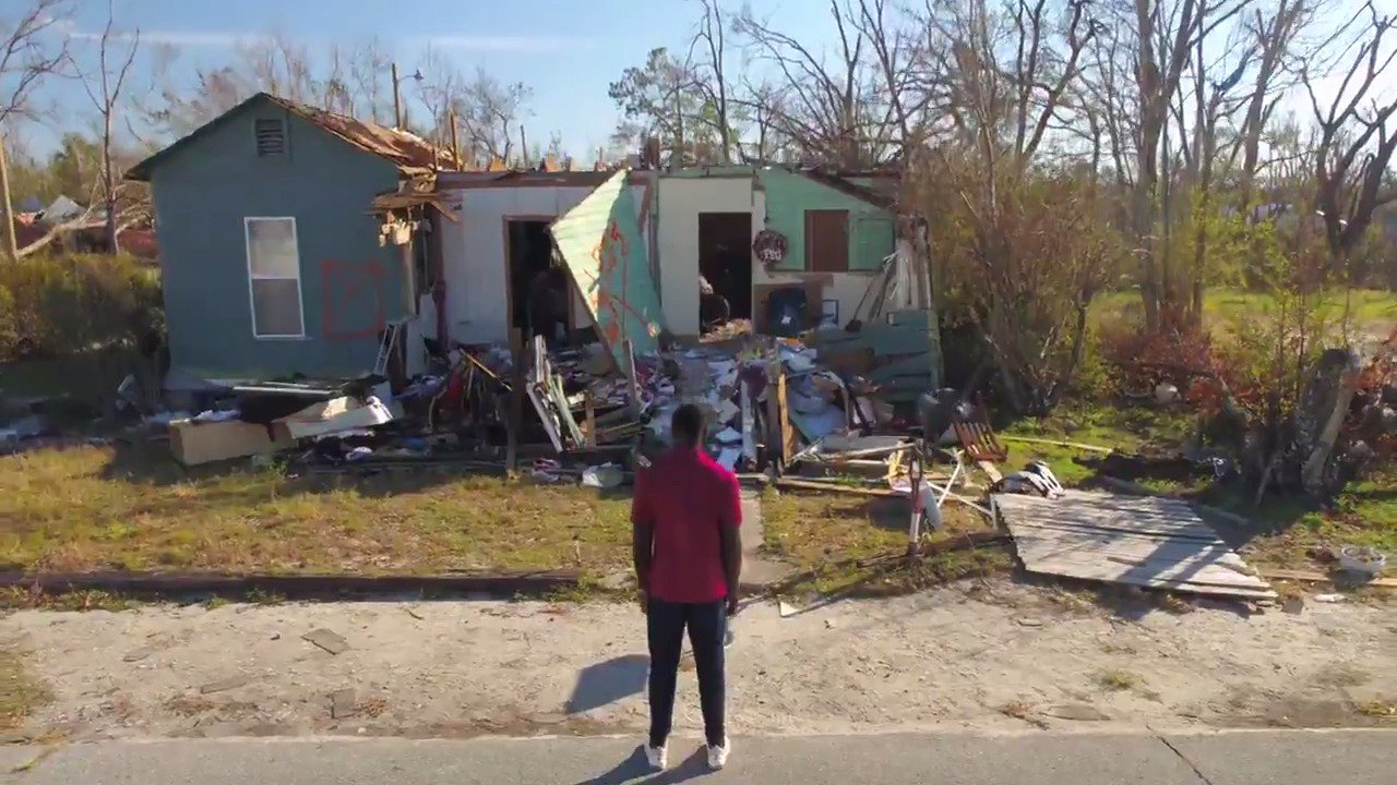 The childhood home of FSU defensive end Janarius Robinson was destroyed in Hurricane Michael.  But his family showed courage and strength that no storm can wash away.  (📍 @exxonmobil) https://t.co/ZWbOglAVXN