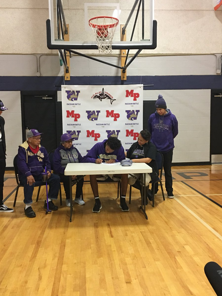 test Twitter Media - It's official. Marysville-Pilchuck senior RaeQuan Battle is a Husky. Inked #NLISigningDay to Washington.... https://t.co/5bkz3hVXR8