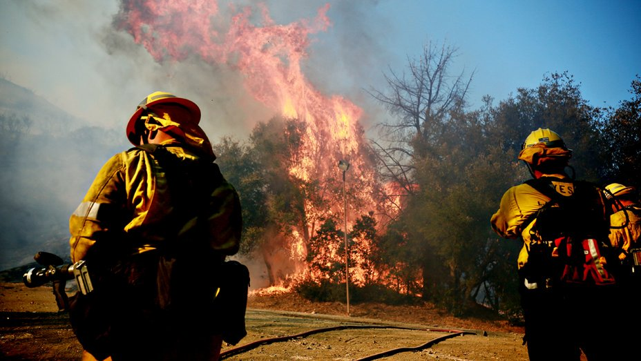 SoCal's WoolseyFire nearly half contained; more structures destroyed