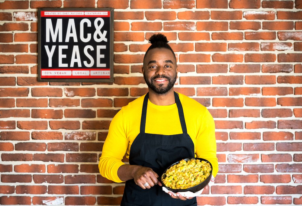 . @AYINDE is a life-long vegan and vegan chef. His Mac & Yease is seriously delicious! https://t.co/oCadkqHWmi https://t.co/PlVK03aEcI