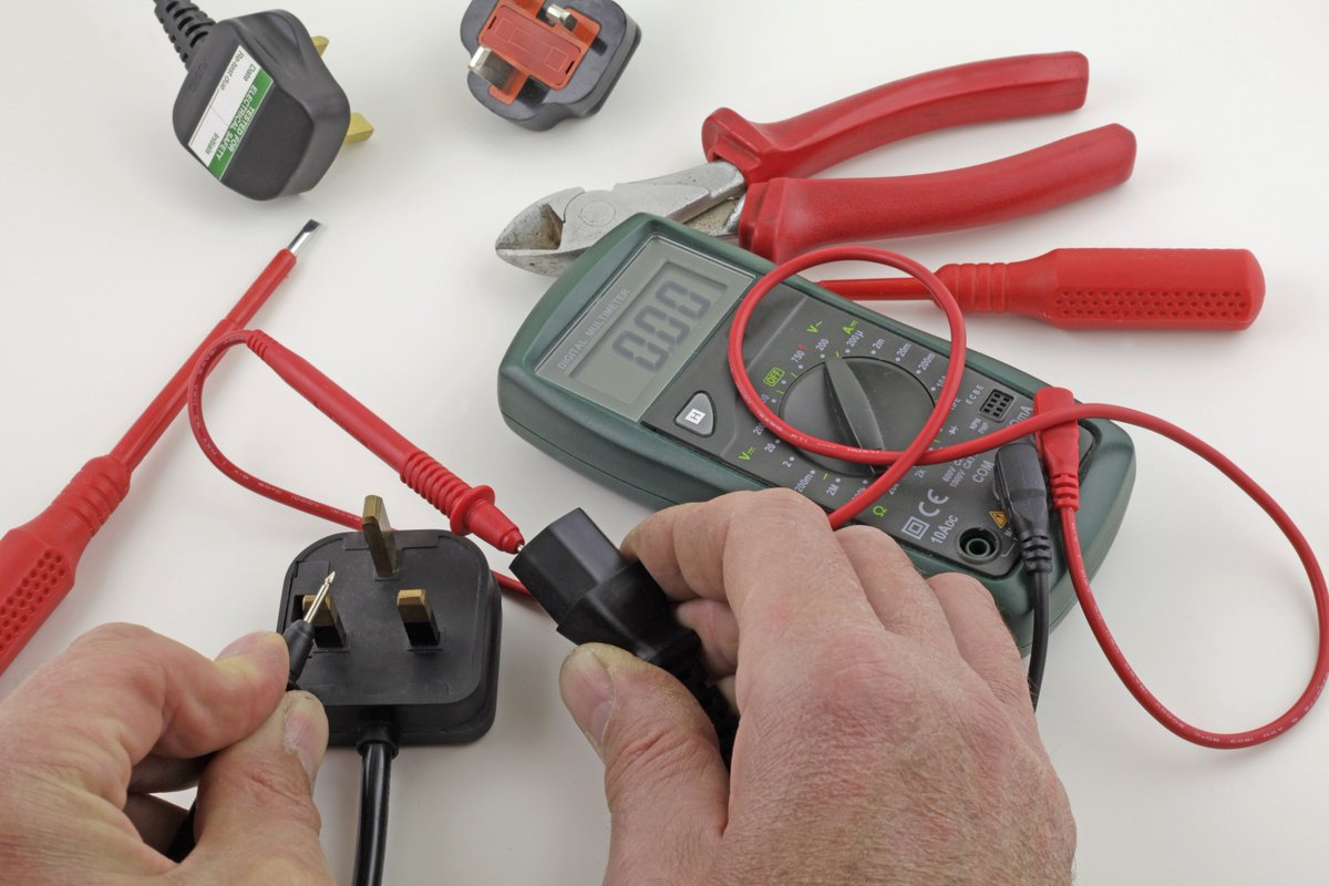 test Twitter Media - Can you help?: We are looking for a #volunteer who may have skills as an electrician to PAT test our donated electrical equipment before its distributed to local people in need 👇 https://t.co/2BYCfmKufu RTs welcome #Nottingham #volunteering #charity #WestBridgford #electronics https://t.co/tBW0NH0pzF